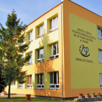 Fotografia przedstawiająca szkołę